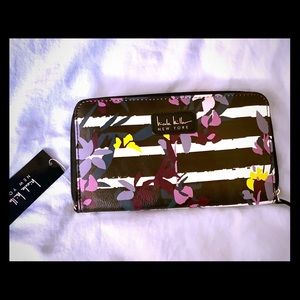 Floral stylish woman's wallet -nicole Miller